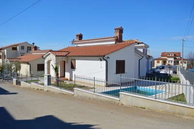 House with swimming pool in Porec for sale, Istria