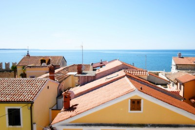 House for sale with sea view in the center of Novigrad, Istria